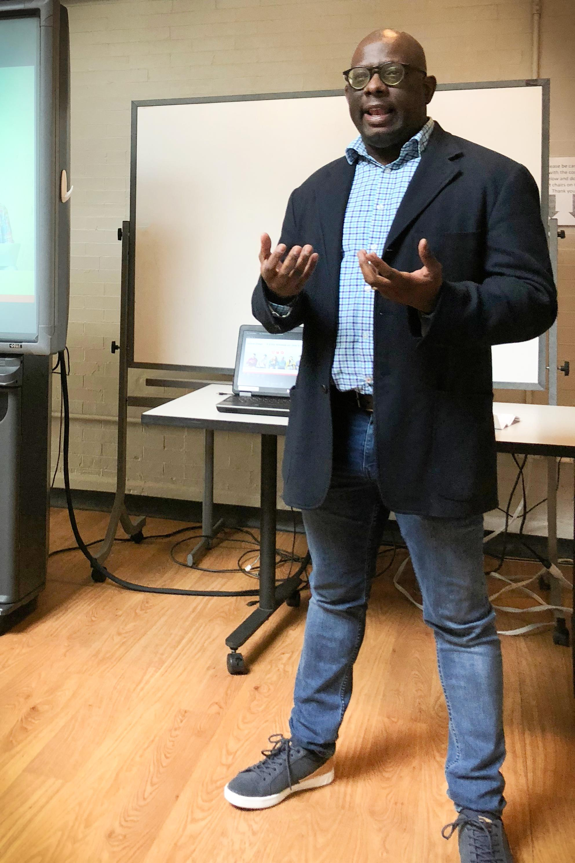 Munya Chiura '97 shares his experience as an international student with current international Lehigh students.