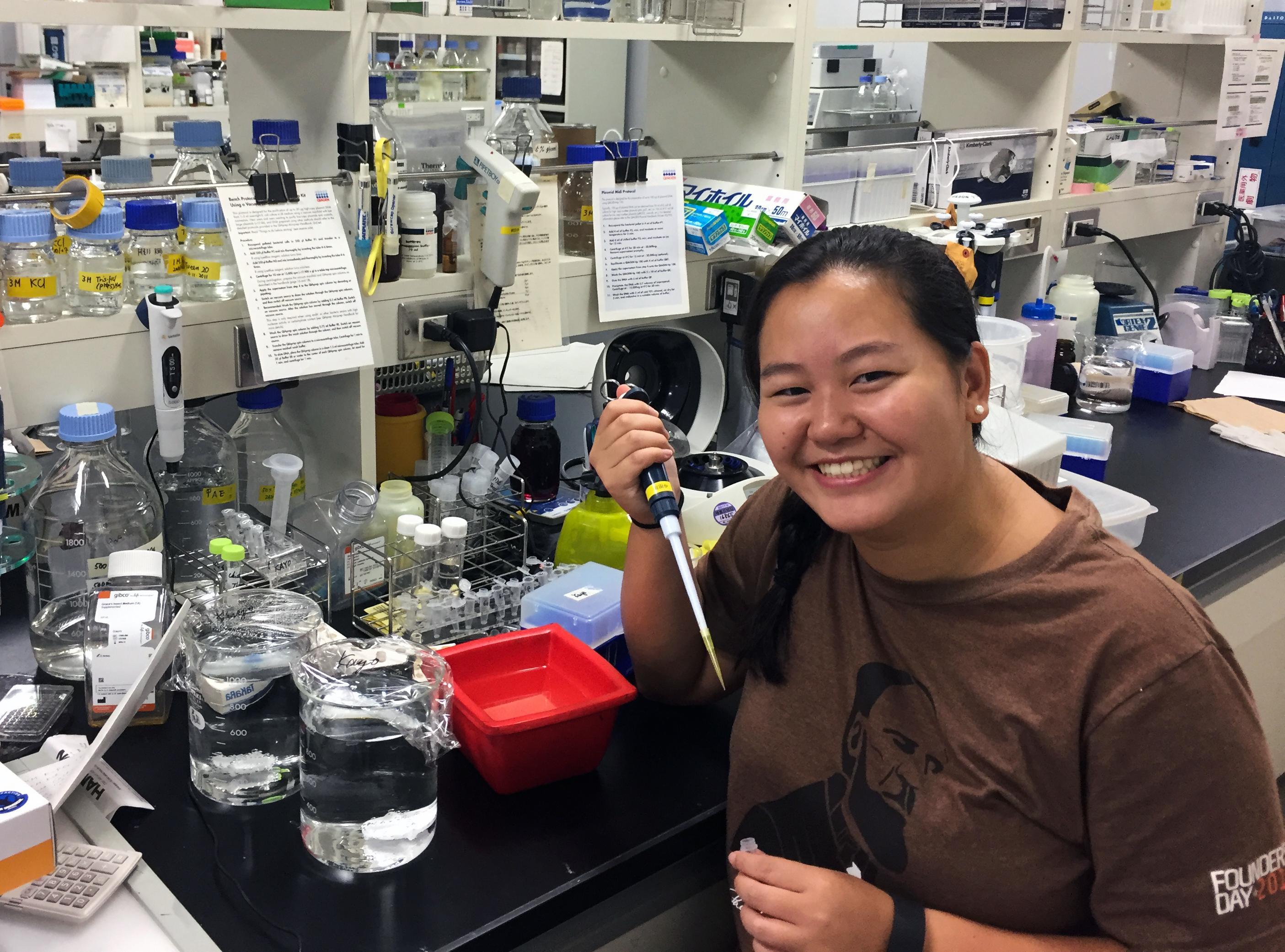 Rachel Fan in her laboratory